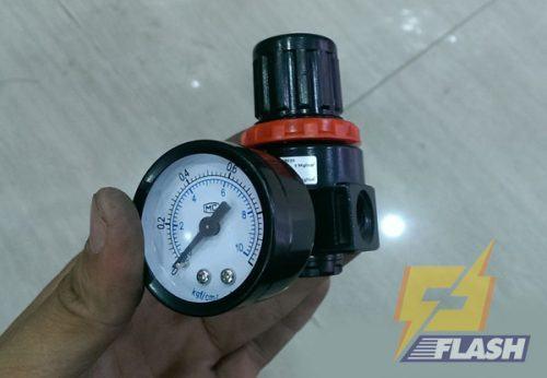 cách chỉnh áp suất máy rửa xe mini