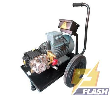 máy phun xịt rửa xe áp lực 3 pha