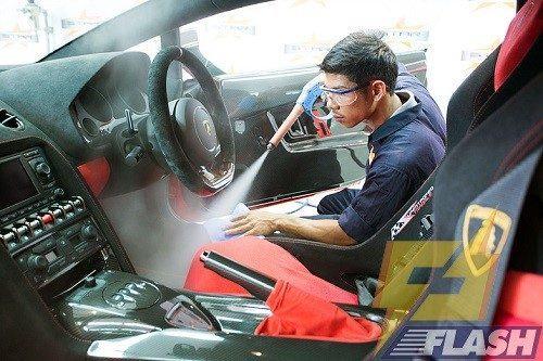 Máy xịt rửa xe hơi nước nóng thanh lý