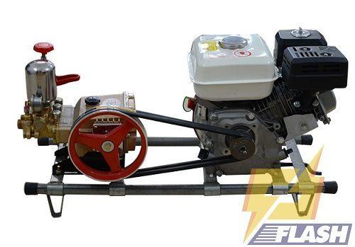 Giá máy rửa xe áp lực cao chạy xăng dây đai