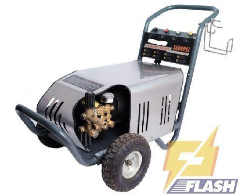 máy rửa xe 2600PSI