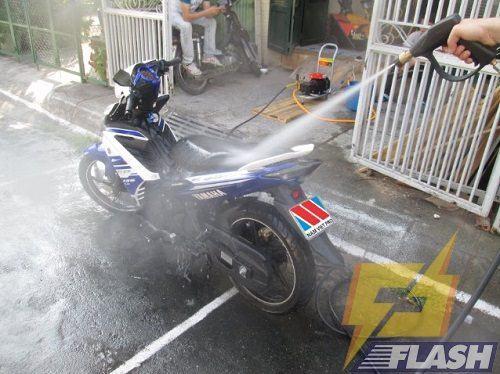 máy rửa xe cao áp 3 trong 1