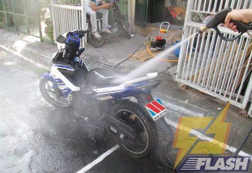 máy rửa xe cao áp Hyndai HRX815